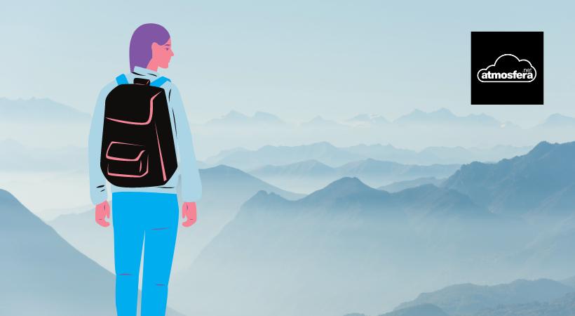 Imagen de una persona rodeada de montañas